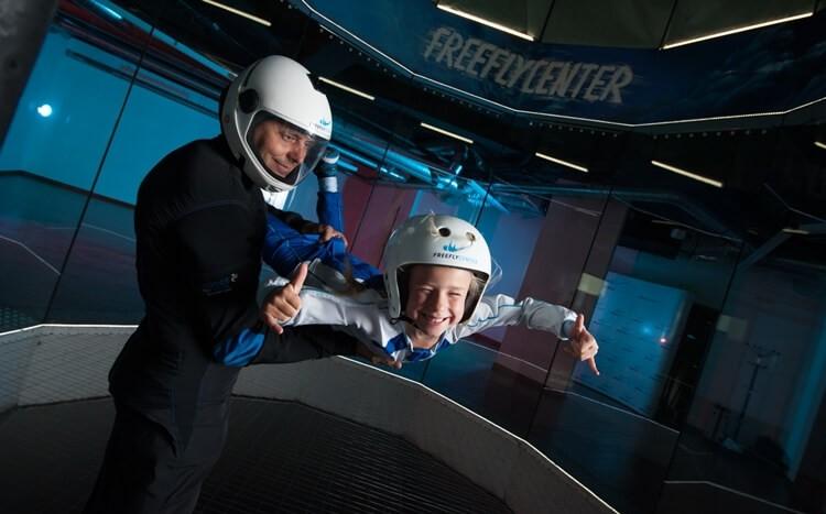 lot-w-tunelu-aerodynamicznym-dla-dzieci-leszno